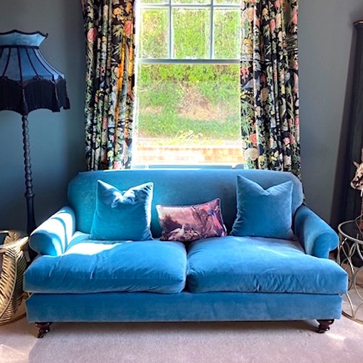 ww/assets/images/ham/customer images/6 Hampton 3 Seater Sofa in Napoli Velvet Wedgewood Blue