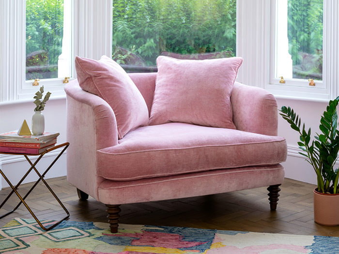 ttps://zoom.sofasandstuff.com/assets/images/hls/Hero Images/snu/1 Helmsely Snuggler in Mossop Old Rose.jpg